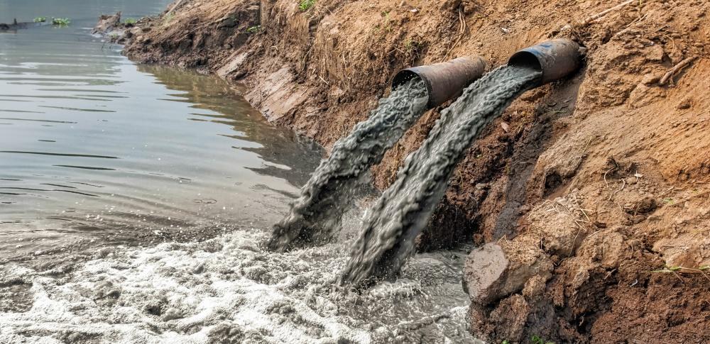 汚水排出で12回の基準値越え、産廃収集運搬許可取り消し|熊本清掃社