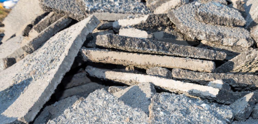 がれき(瓦礫)類とは?がれきの種類や廃棄量統計の現状と課題