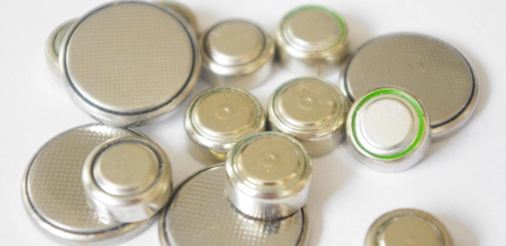 ボタン電池とは?使用済みの廃棄・絶縁方法や回収缶について徹底解説