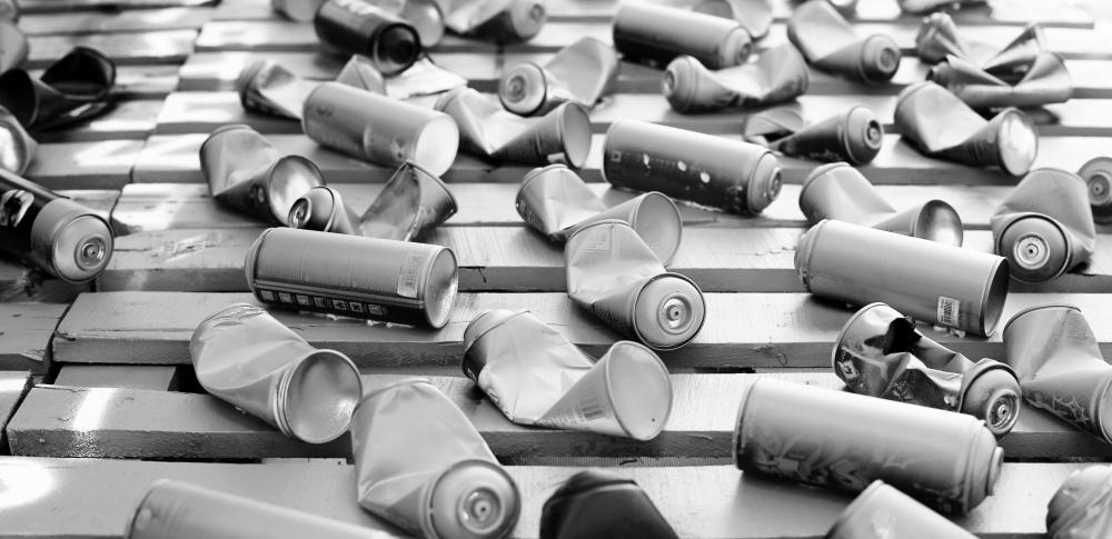 スプレー缶ガス抜きによる高槻市爆発事故、兵庫の通販会社を家宅捜索