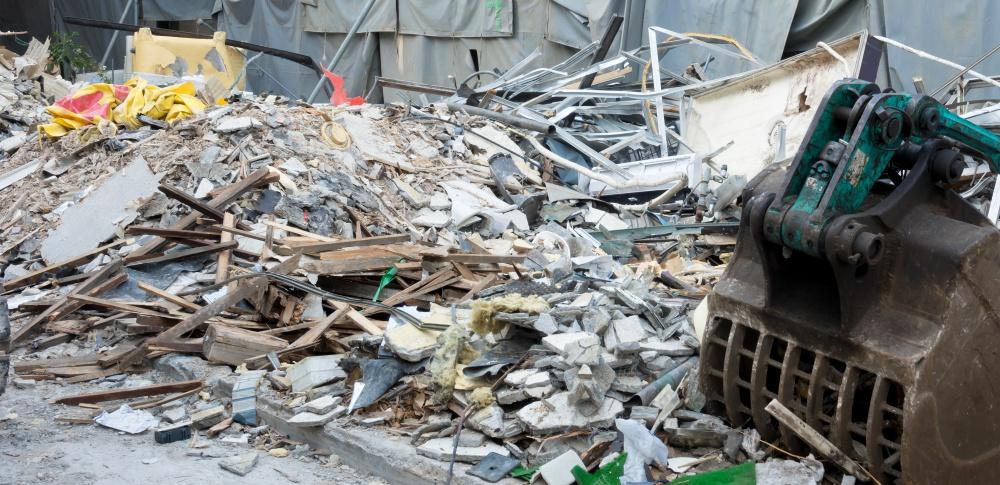 岩内町で不法投棄の男性2人を書類送検、敷地内には大量のゴミ