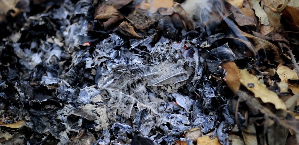 燃え殻とは?種類や処理方法、廃棄量統計の現状について解説