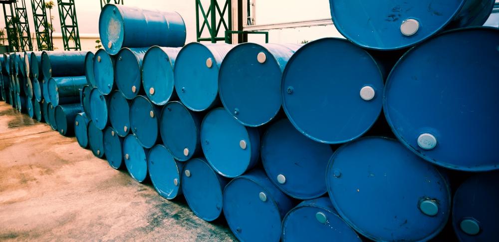 石巻市無許可業者を家宅捜索、廃油3万トンを運搬か