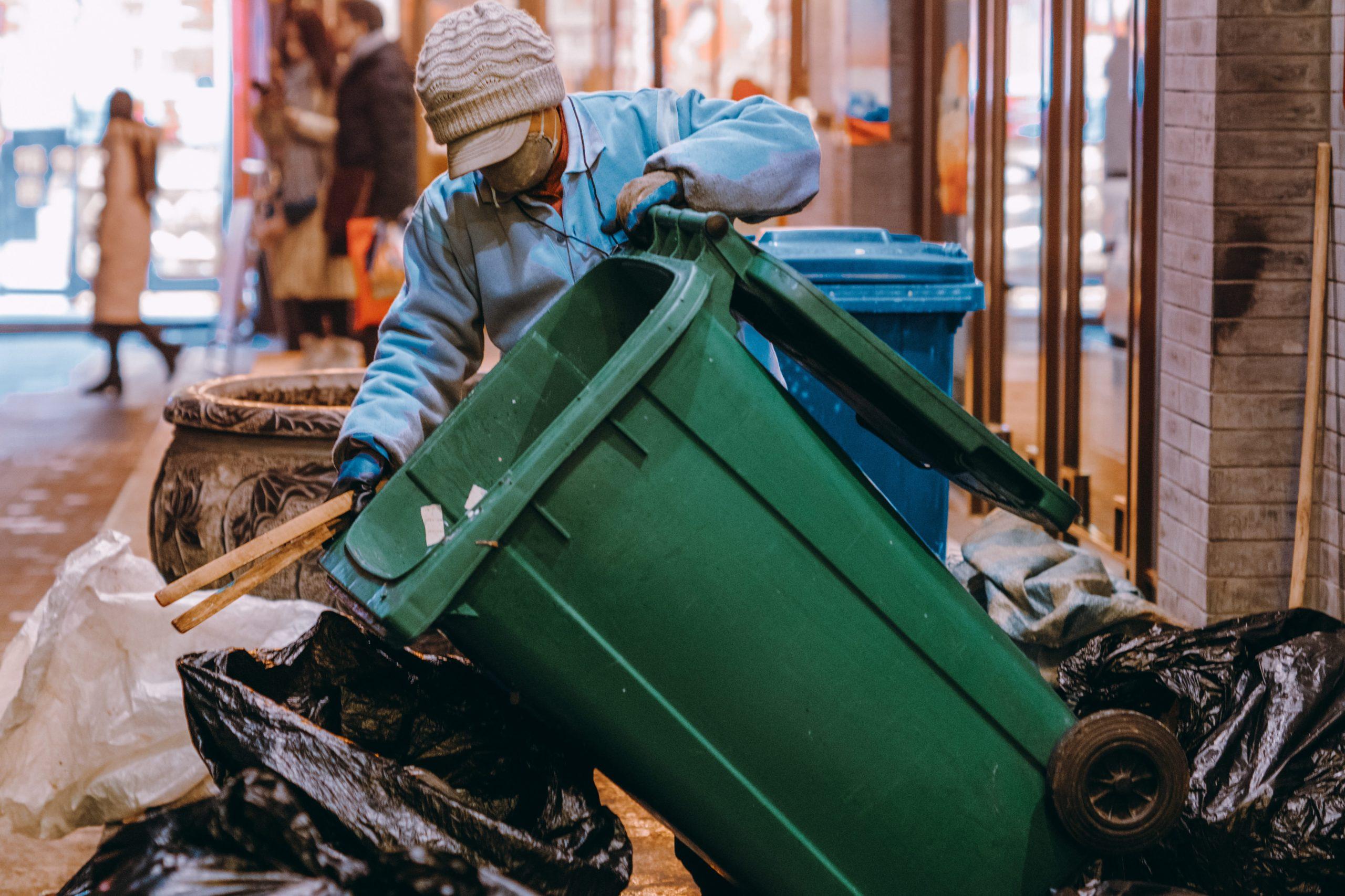 産業廃棄物の運搬・保管を行う場合の「表示義務」とは?