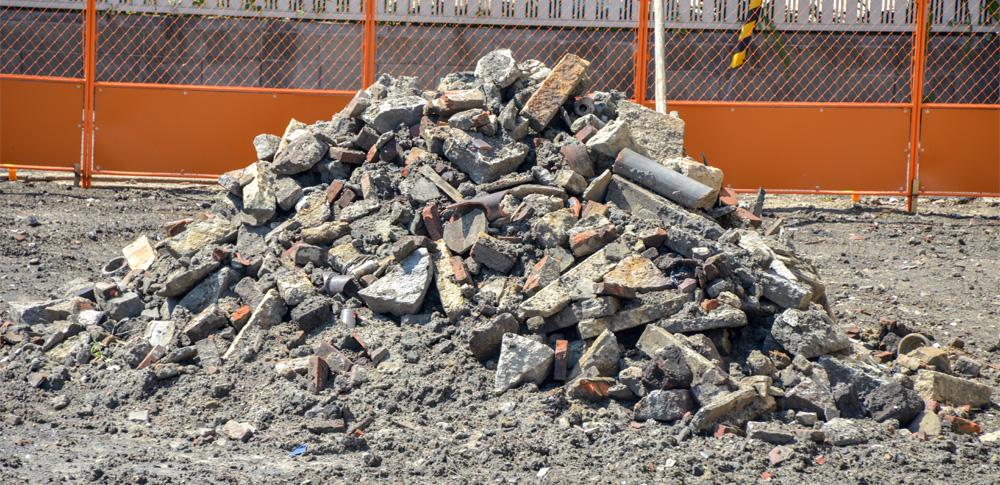 民有地に無許可で残土投棄、近隣住民らが県庁に陳情書を提出