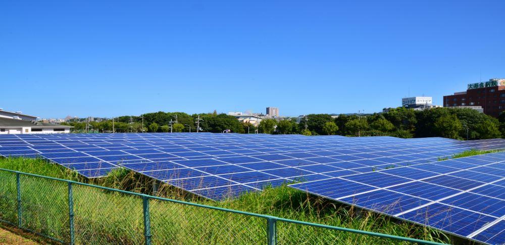 太陽光パネルの処理手順は?産業廃棄物に該当する事例を解説