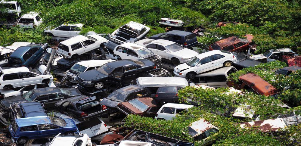 自動車リサイクル法とは?使用済み自動車のリサイクルの流れを解説