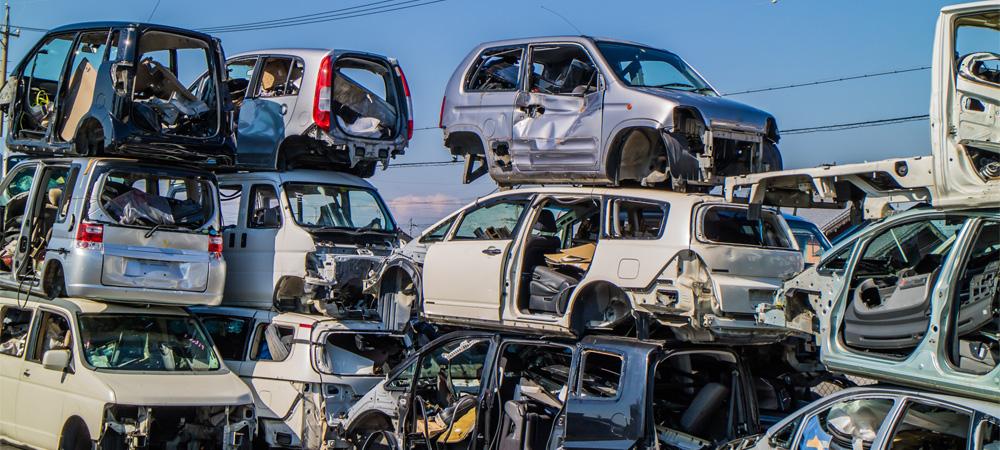 自動車800台の不適正保管、関係者故人で家族に行政命令